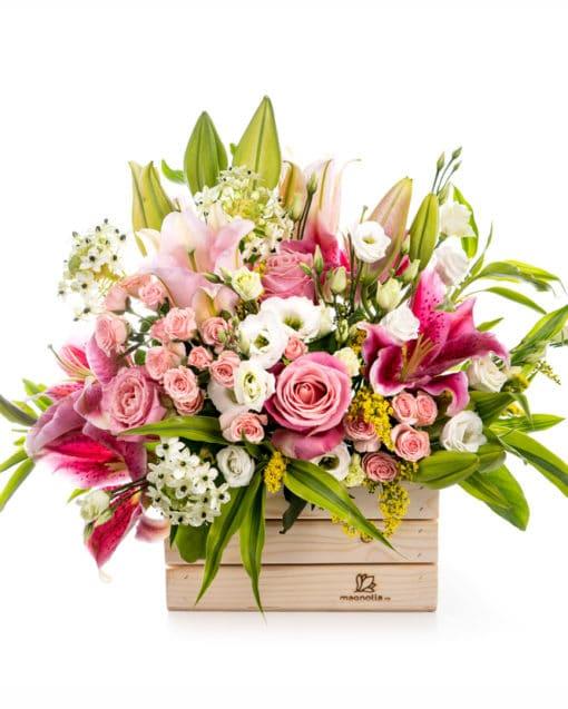 cesta de flores rosas