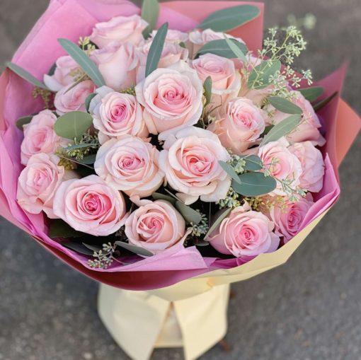 ramo 25 rosas rosas 60€