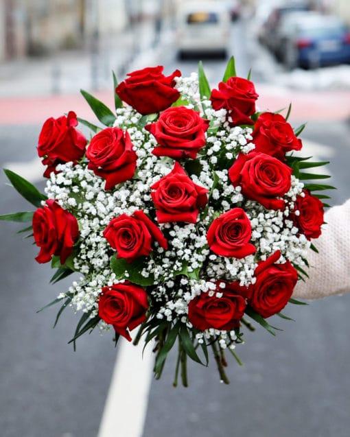 ramo rosas 30€