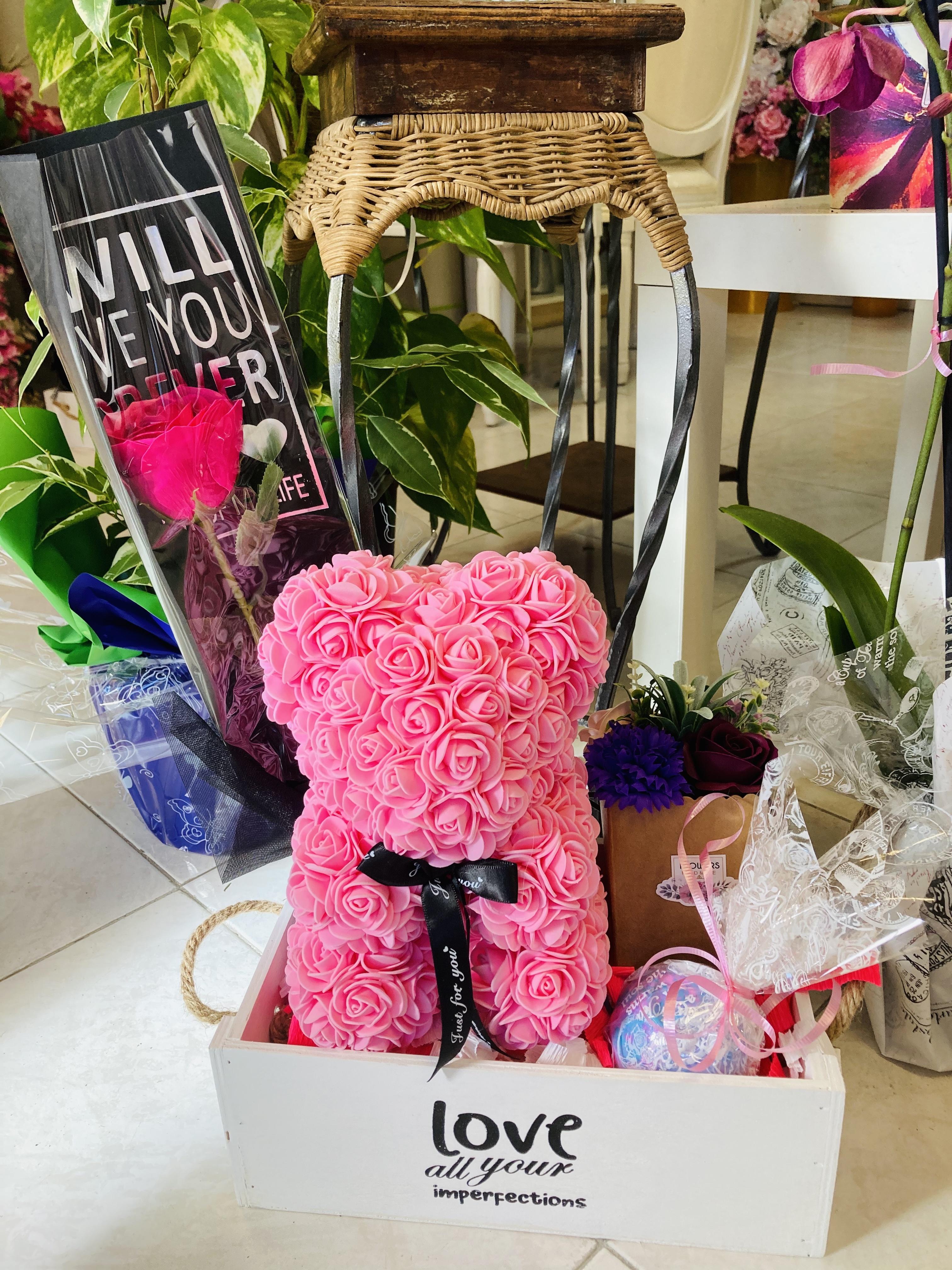 cesta de regalo enamorados